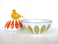"Vintage Cathrineholm Lotus Enamel Bowl, 5 1/2"" Danish Modern Enamelware Bowl, White And Mustard Small Enamel Bowl by HerVintageCrush on Etsy"