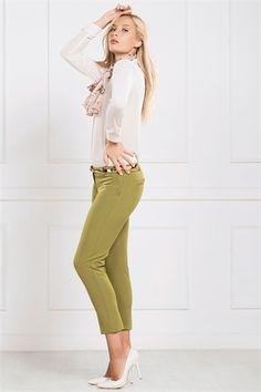 İRONİ DAR PAÇA FISTIK-YEŞİL PANTOLON Capri Pants, Fashion, Moda, Capri Trousers, Fashion Styles, Fashion Illustrations