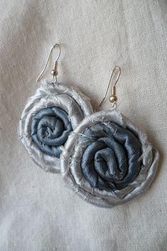 Tienda APS en Facebook buscalo!!! Aros colgantes  de materiales textiles reciclados