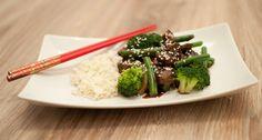 Oosterse biefstukpuntjes met broccoli en boontjes; een lekker en gezond gerecht voor doordeweeks. Lekker met jasmijnrijst.