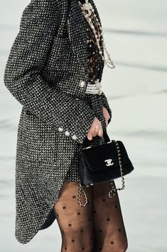 Chanel Fall 2020 Ready-to-Wear Fashion Show - Vogue Fashion Week, Fashion Show, Womens Fashion, Fashion Tips, Fashion Design, Vintage Chanel, Chanel Dress, Chic Dress, Spring Dresses