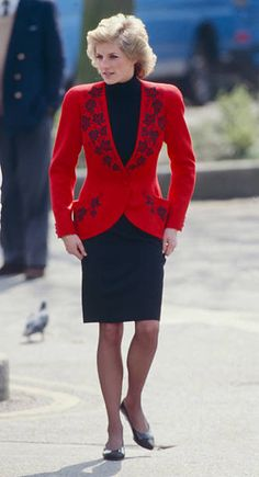 Princess Diana Dresses, Princess Diana Fashion, Princess Diana Family, Princess Of Wales, Lady Diana Spencer, Hyde Park, Our Lady, Lady In Red, Diana Williams