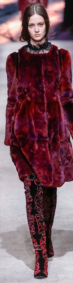 #Farbbberatung #Stilberatung #Farbenreich mit www.farben-reich.com Alberta Ferretti collection Fall 2015 Ready-to-Wear