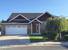 213 Southeast Yorktown Road, Grants Pass, OR 97527 Grants Pass, Estate Homes, Garage Doors, Real Estate, Outdoor Decor, Home Decor, Floor Plans, Homemade Home Decor, Real Estates