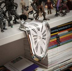 Time Warp Shelf Clock  ダリの世界だ・・・