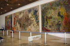 Nous terminons aujourd'hui la visite de la Knesset par le Hall Chagall, utilisé de préférence pour les cérémonies solennelles, où on découvre 3 immenses tapisseries (9.50 x 4.80m pour la centrale, et 5.50 x 4.80m pour les deux latérales), des mosaïques...