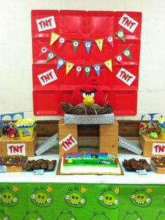 """Photo 22 of 31: Angry Birds / Birthday """"Angry Birds Knock Down"""" 