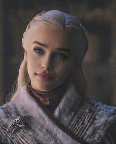Daenerys Targaryen Art, Emilia Clarke Daenerys Targaryen, Game Of Throne Daenerys, Daenerys Targaryen Aesthetic, Game Of Thrones Khaleesi, Queen Of Dragons, Mother Of Dragons, Targaryen Wallpaper, Acteurs Game Of Throne