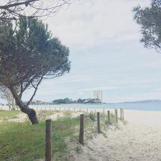 Llevo un buen rato buscando un texto para esta foto pero no lo encuentro, creo que es porque habla sola.  #beach #sea #vigo #sunnyday #weekendmood #lovelyplace