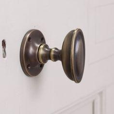 Antique Solid Brass Door Knobs - There is a nostalgic bond between doors and knobs. There are a number of door knobs of vari Knobs And Handles, Door Handles, Door Pulls, Antique Brass Door Knobs, Interior Door Knobs, Kitchen Cupboard Handles, Brass Bathroom, Small Bathroom, Bathroom Ideas