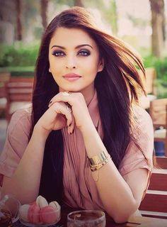 Aishwarya Rai #mostbeautiful #greeneyes