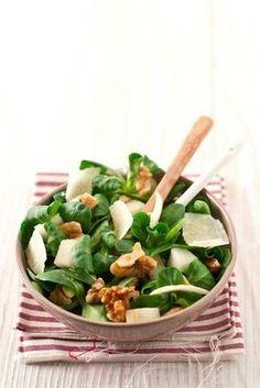 Итальянская кухня: салат с грушей, грецким орехом и пармезаном #Еда #Рецепты #Салат