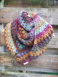 Metsmaakgehaakt: Haakpatroon crazy fall scarf