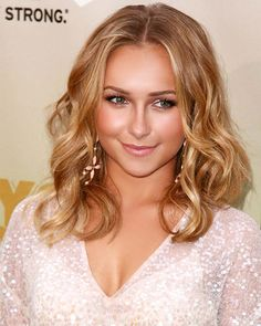Summer Hairstyles how to get the red carpet hair style. Soft glamorous curls like Hayden Panettiere. celebrity hairstylehow to get the red carpet hair style. Soft glamorous curls like Hayden Panettiere. Summer Hairstyles, Pretty Hairstyles, Wedding Hairstyles, Hayden Panettiere, Hailey Baldwin, Red Carpet Hair, Celebrity Hairstyles, New Hair, Wavy Hair