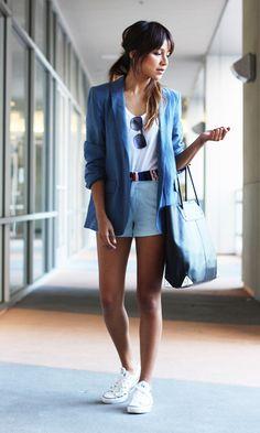 #blazer #weissestshirt #shorts #weissesneaker Look: Blazer com Short + Tênis