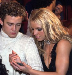 justin timberlake and britney spears Justin Long, Justin Time, Wedding Hairstyles, Cool Hairstyles, Wedding Hair Colors, Justin Timberlake, Justin Bieber, Haircuts For Men, Fall Hair