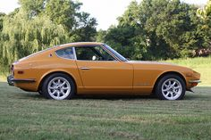 Datsun 240Z my favorite car when I was in high school!!! KC