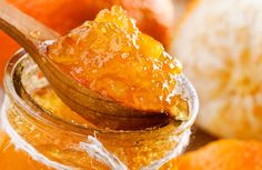 Get Orange Marmalade Recipe from Food Network Homemade Orange Marmalade Recipe, Salsa Dulce, Vegan Recipes, Cooking Recipes, Jam And Jelly, Jelly Recipes, Sin Gluten, International Recipes, Food Network Recipes