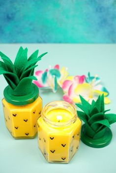 Ever wondered how to make candles? These Easy DIY Pineapple Candles are SO simple to make, and they smell amazing! Makes a great DIY gift idea! Homemade Candles, Homemade Crafts, Easy Crafts, Easy Diy, Scented Candles, Diy Candles Easy, Make Candles, Diy Candle Ideas, Soy Candles