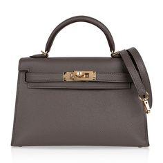 Hermes Box, Hermes Birkin, Famous Photos, Classic Handbags, Kelly Bag, Wearing Black, Bag Sale, Hermes Kelly