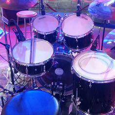 Brand new heads ready to jam with some friends! #inknbeats #rehearsal #pearl #export #jammin #friends #new #drumheads #coated #evans #drums #drumming #drummer #drumdealer #remo #sabian #vicfirth #zildjian #drumporn #cymbalporn #cymbaladdict #snareaddict  #drumjunkie #drumdork #iamadrumwarrior #ifuckinglovedrums #drumsdrumsdrums @pearl_drums by inknbeats