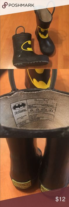 Batman rain boots Western chief brand rain boots in size 5/6. In good to very good used condition. Home is smoke and pet free. Western Chief Shoes Rain & Snow Boots