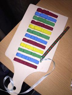 Onderwijs en zo voort ........: 3096. Muziekinstrumenten : Met halve knijpers op e...