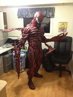 A Terrifyingly Good Carnage Cosplay