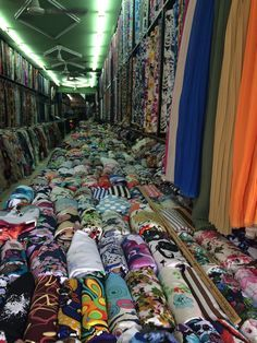 Everything you ever wanted to know about fabric shopping in Saigon but were too afraid to ask |Cashmerette