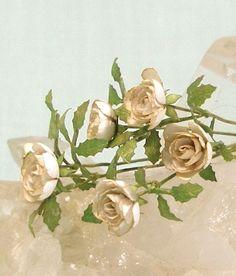 White roses by mostlyart