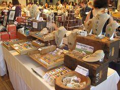 Tons on display, but well organized... NICE! {craft booth setup}