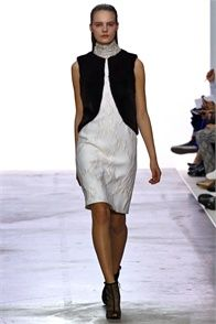 Giambattista Valli - Collections Fall Winter 2013-14 - Shows - Vogue.it