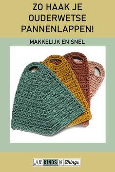 Zo haak je ouderwetse pannenlappen! Makkelijk en snel, van katoen, een makkelijk haakpatroon, waar je niet al te lang mee bezig bent. #haken #haakpatroon pannenlappen #pannenlappen haken #pannenlappen haken beginners #ouderwetse pannenlappen haken Love Crochet, Crochet Gifts, Diy Crochet, Knifty Knitter, Knitting, Diy Projects To Try, Crochet Projects, Crochet Potholders, Crochet Mandala