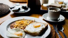 Menu Sarapan - Selain Nasi Goreng, Ini Dia Daftar Makanan Bergizi dan Praktis di Pagi Hari
