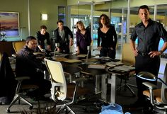 (CSI:NY cast) L-R Hill Harper, Eddie Cahill, Carmine Giovinazzo, Anna Bellknap, Melina Kanakaredes, Gary Sinise