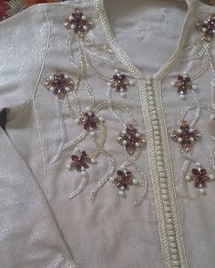 See related links to what you are looking for. Embroidered Lace, Beaded Embroidery, Hand Embroidery, Embroidery Designs, Bordados Tambour, Mehndi Desing, Jewelry Design Drawing, Indian Designer Suits, Moroccan Caftan