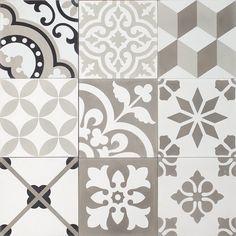 Instagram media by marrakechdesign - Patchwork - grey is now available in stock  #marrakechdesign #kakel #klinker #fliser #tiles #flooring #cementtiles #badrum #bathroom #kitchen #kök #hall #hallway #renovering #patchwork #pattern #marockanskt #maroccantiles