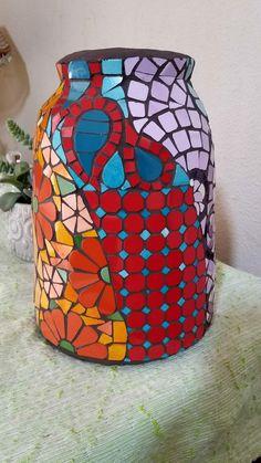 #mosaico #colores #mosaiquismo #jarrón #jardín #azulejos