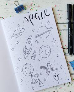 Mostrei meu caderninho de Doodles esses dias pra trás e pretendo preencher ele com as inspirações que eu vou encontrando no Pinterest,… Journal Fonts, Bullet Journal Notebook, Bullet Journal Ideas Pages, Bullet Journal Inspiration, Journaling, Drawing Journal, Doodle Art Journals, Doodles, Bullet Journal Aesthetic