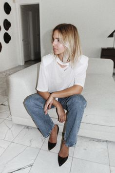 OFF WHITE oversized shoulder pads tee OFF WHITE jeans RUPERT SANDERSON high heels photography by F. Flatau _____ _____ Hollywood night. More photos on my Pinterest! x