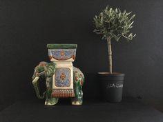 Een persoonlijke favoriet uit mijn Etsy shop https://www.etsy.com/nl/listing/269983855/vintage-13-hoge-keramische-olifant