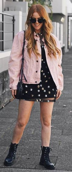 awesome fall outfit idea : pink denim jacket printed dress bag boots 2019 awesome fall outfit idea : pink denim jacket printed dress bag boots The post awesome fall outfit idea : pink denim jacket printed dress bag boots 2019 appeared first on Denim Diy. Preppy Outfits, Curvy Outfits, Casual Fall Outfits, Boho Outfits, Summer Outfits, Pink Denim Jacket, Denim Outfit, Jacket Jeans, Fall Outfits For Teen Girls