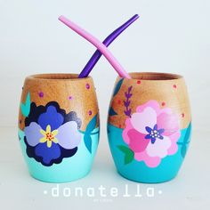 Painted Plant Pots, Painted Flower Pots, Crafts To Sell, Diy And Crafts, Pots D'argile, Funky Painted Furniture, Desiderata, Posca, Pottery Painting