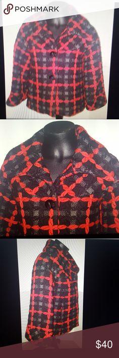 Zara woman wool short coat size medium Zara woman 3 button peacoat  100% wool  lined size medium  bust 19.5 inches  length 24 inches Zara Jackets & Coats Pea Coats