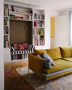 Jeanne, Paris 10ème - Inside Closet Built In Tv Wall Unit, Wall Units, Coin Banquette, Holi, Maison Rabih Kayrouz, Bookshelves, Sweet Home, Cushions, House Design