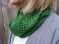 Irish Mesh Cowl by Jo Strong Free Ravelry download