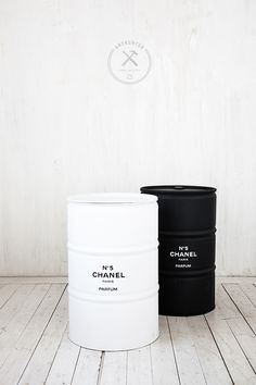 Turkina Faso - arthunter / Industrial oil barrel in contrast black and white with Chanel perfume inspired font Design Industrial, Industrial Style, Oil Barrel, Oil Drum, Furniture Logo, Home And Deco, Black N White, Color Black, New Room