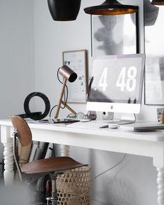 Vintage-inspired workspace @matias.vase