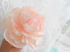 Хороший мк Hand Flowers, Sugar Flowers, Diy Flowers, Fondant Flower Tutorial, Fondant Flowers, Hobbies And Crafts, Diy And Crafts, Biscuit, Cold Porcelain Flowers