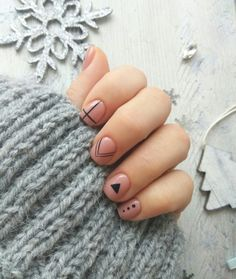 This minimalist nail art idea may be the easiest one in the planet, but it appears so pretty that we couldn't ignore it Mens Nails, Dry Nails, Minimalist Nails, Pretty Nail Art, Short Nail Designs, Stylish Nails, Manicure And Pedicure, Nails Inspiration, Beauty Nails